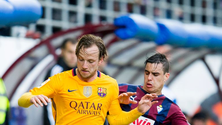 Ivan Rakitic (left) does a brilliant job for Barcelona, says Balague