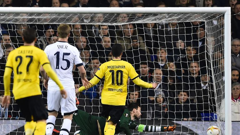 Hugo Lloris dives but cannot prevent Aubameyang's opener