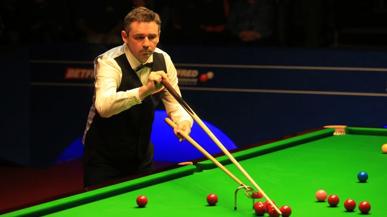 Mark Selby leads Ding Junhui