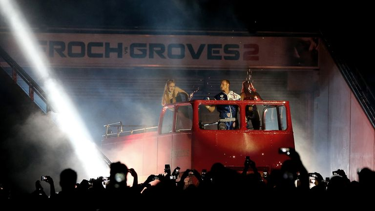 Froch liked the red bus idea...  but didn't really watch it in action