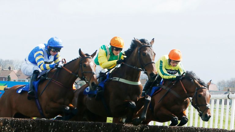 Sean Bowen (right) riding Vivaldi Collonges on his way to victory at Ayr