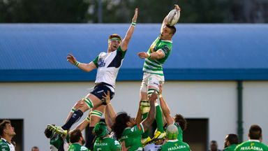 Connacht's Sean O'Brien with Abraham Steyn of Treviso at the line-out