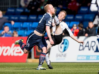 Steven Anderson and Liam Boyce get in a tangle