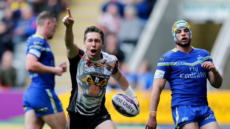 Warrington lost to Castleford at Magic Weekend in 2016