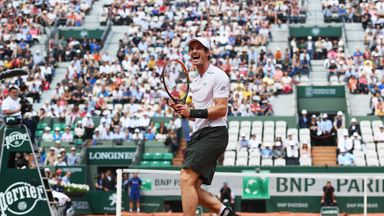 Andy Murray won in straight sets against Ivo Karlovic