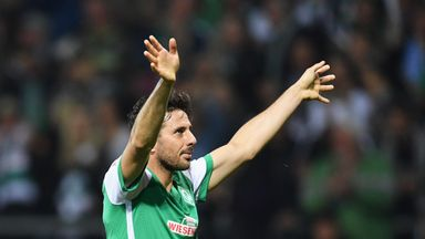 Claudio Pizarro celebrates during the victory