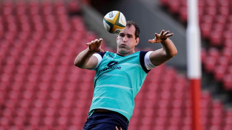 Ireland lock Devin Toner will remain with Leinster until at least June 2020