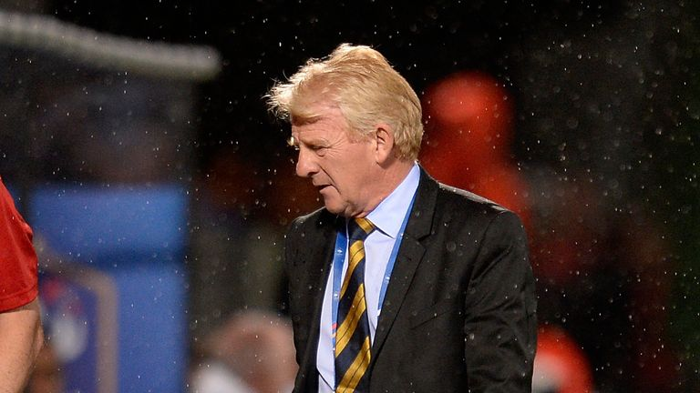 METZ, FRANCE - JUNE 04: Coach Gordon Strachan of Scotland reacts during the International Friendly between France and Scotland on June 4, 2016 in Metz, Fra