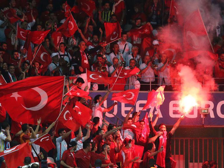 Euro 2016: Spain beat Turkey by 3-0