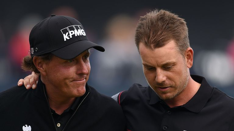 Henrik Stenson produced a record-breaking performance to hold off Phil Mickelson