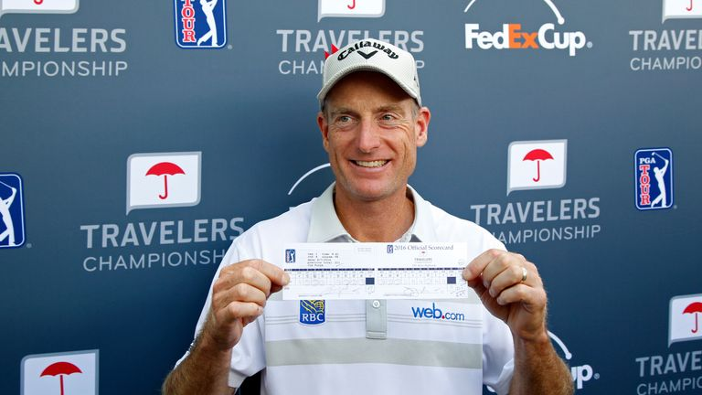 Jim Furyk carded a bogey-free round on his way to a top-five finish