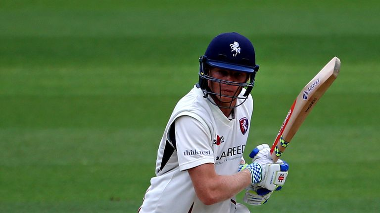 County Championship: David Masters takes 7-52 as Essex dominate Worcestershire