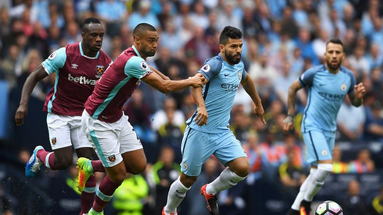 Sergio Aguero picked up an injury on Sunday