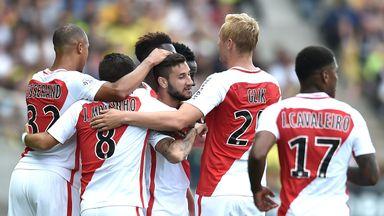 Monaco's Brazilian mildfielder Gabriel Boschilia (C) is congratulated after scoring the winner against Nantes
