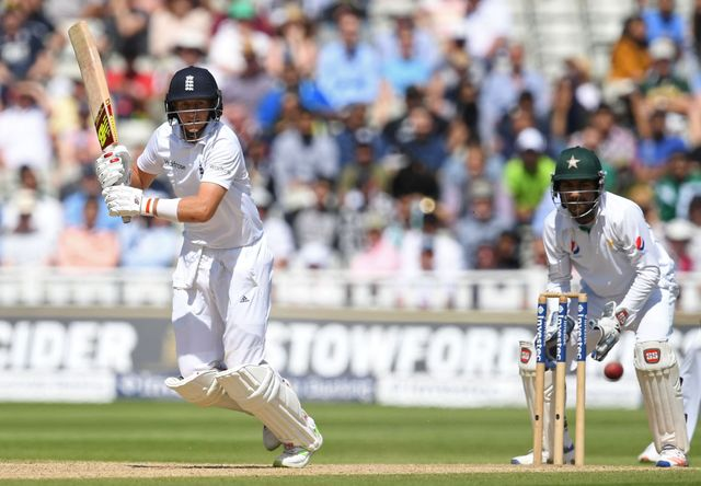 Pakistan's Aslam and Azhar make England suffer