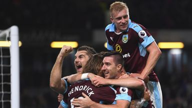 Burnley's Jeff Hendrick (C) celebrates with team-mates after scoring against Watford