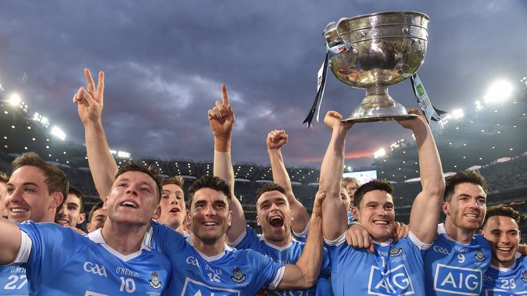 Dublin players Paul Flynn, Bernard Brogan, Paddy Andrews, Diarmuid Connolly, Michael Darragh MacAuley and Con O'Callaghan celebrate retaining Sam Maguire