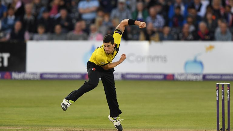Gloucestershire bowler Benny Howell will play in the BPL