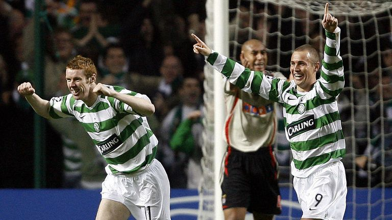 Stephen Pearson (L) celebrates his goal against Benfica in 2006