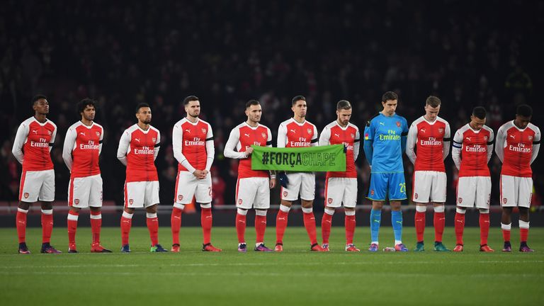 Arsenal and Southampton also paid tribute ahead of their game