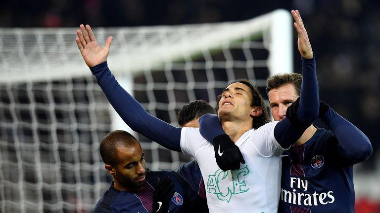 Paris Saint-Germain's Edinson Cavani paid tribute to the Chapecoense victims after scoring against Angers