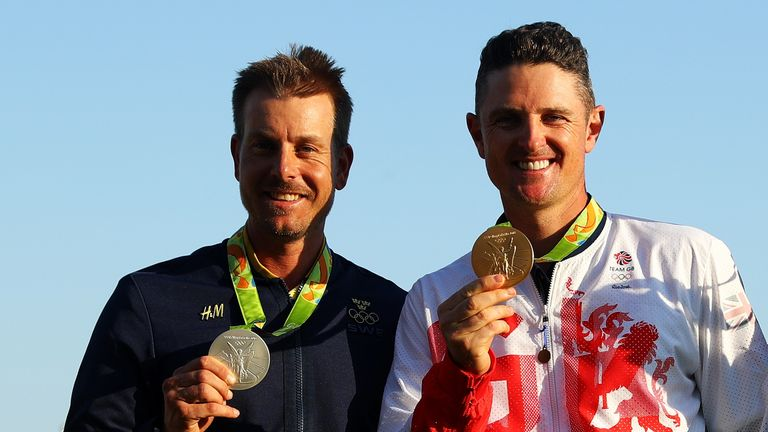 Justin Rose (R) won gold ahead of Henrik Stenson at the Olympics in Rio