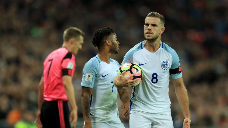 Jordan Henderson chơi một trò chơi rắn tại Wembley, theo bình luận viên của chúng tôi
