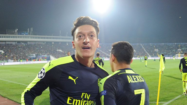 Mesut Ozil is lacking in confidence, according to Wenger