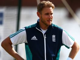 England's Stuart Broad is looking to overhaul Sir Ian Botham