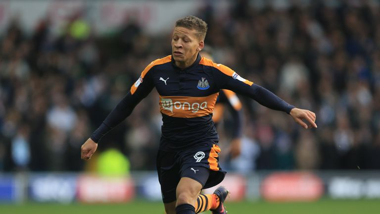 Newcastle United's Dwight Gayle during the Sky Bet Championship match at Craven Cottage, London.