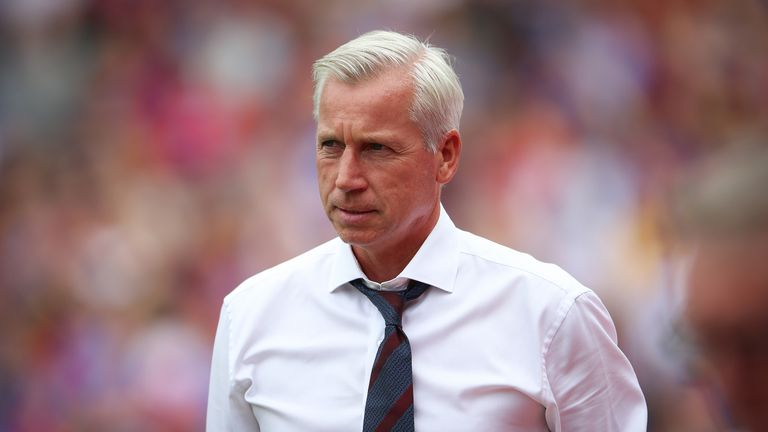 Alan Pardew during the Premier League match against Bournemouth at Selhurst Park