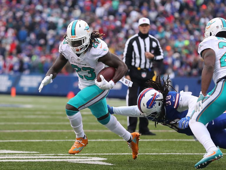 Dolphins hope to ride Jay-Train to upset