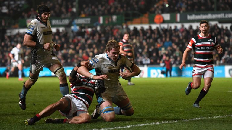 Jonny Gray's try secured the bonus point in the first half