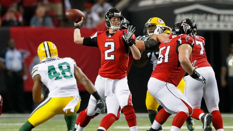 The Atlanta Falcons hos the Green Bay Packers in the late Sunday night game