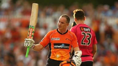 Michael Klinger made an unbeaten 71 as Perth Scorchers stormed to the Big Bash title
