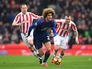 Marouane Fellaini bursts forward for Man United