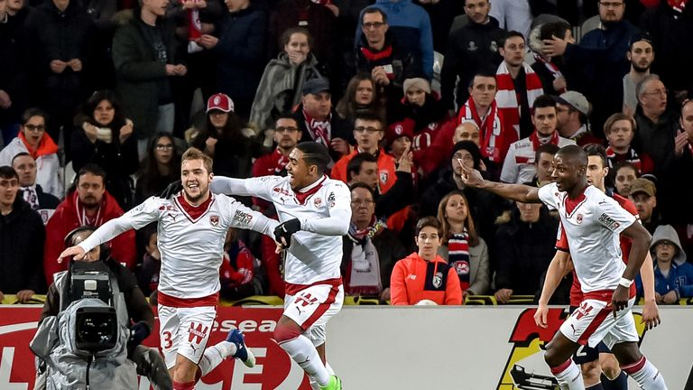Bordeaux's midefielder Valentin Vada celebrates his strike against Lille