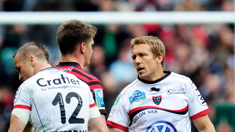 Owen Farrell (M) is as good as Wilkinson (R) according to Greenwood