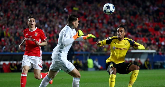 Goalkeeper reveals Benfica exit as Man City get set to swoop