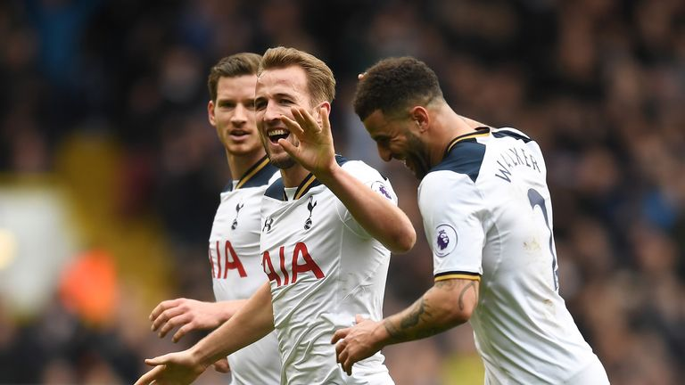 Harry Kane celebrates his hat-trick teammates Kyle Walker and Jan Vertonghen