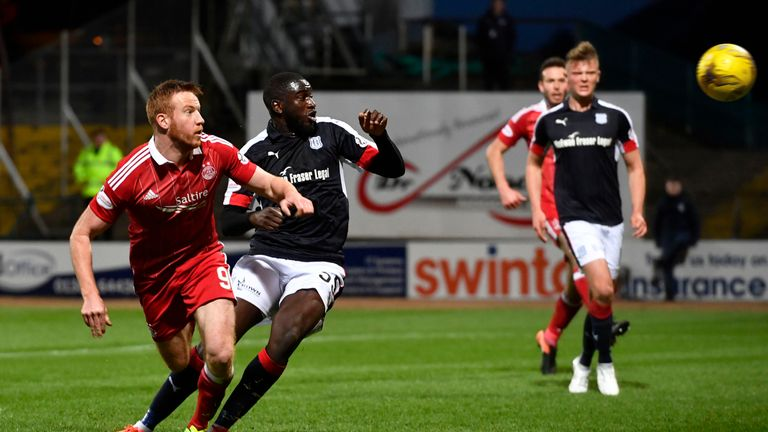 Adam Rooney makes it 2-0 to Aberdeen