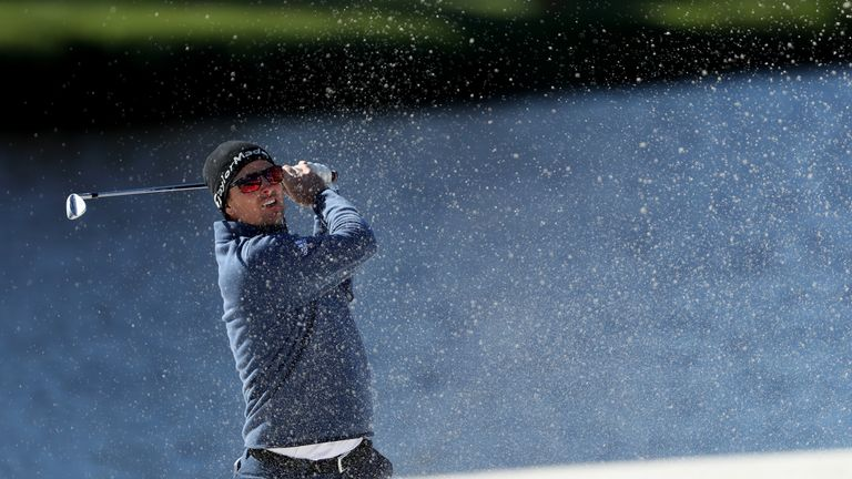 Emiliano Grillo nonchalantly tosses club in lake after awful  shot