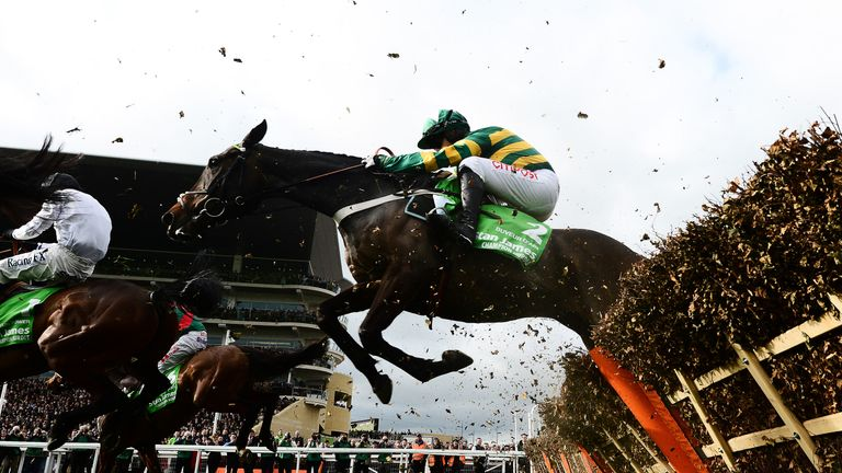 Buveur D'Air ended a brief chasing career to return to hurdles in stunning fashion