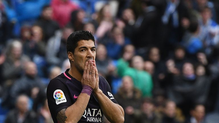 Luis Suarez reacts after missing a chance against Deportivo