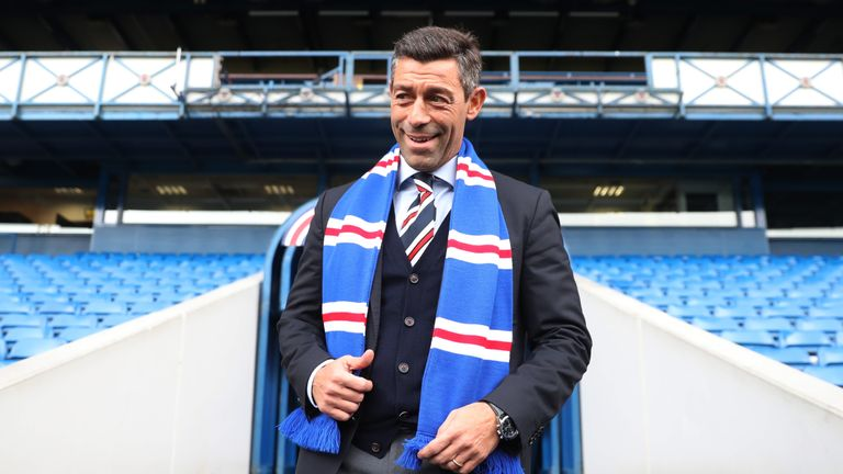 Glasgow Rangers boss Pedro Caixinha holds meeting with Joe Dodoo
