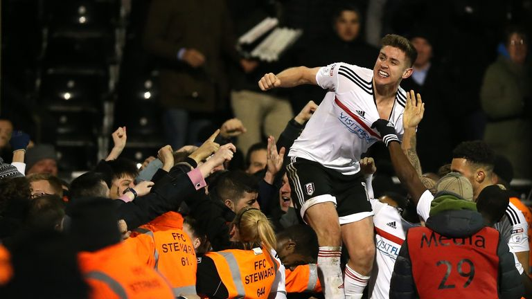 Tom Cairney scored a late equaliser for Fulham against Leeds