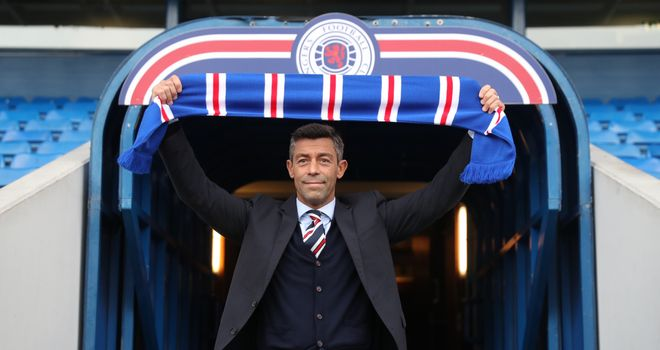 Rangers complete Daniel Candeias signing from Benfica on a two-year deal