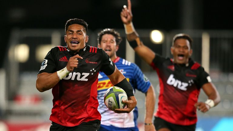 Pete Samu of the Canterbury Crusaders breaks away to score a try