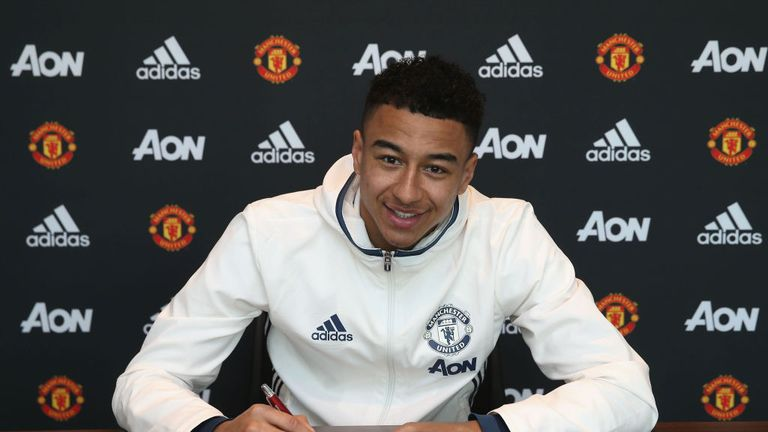 Jesse Lingard has thanked the Manchester United fans after signing his new deal