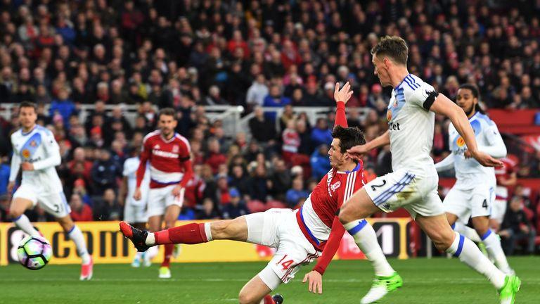Marten de Roon scores for Middlesbrough against Sunderland